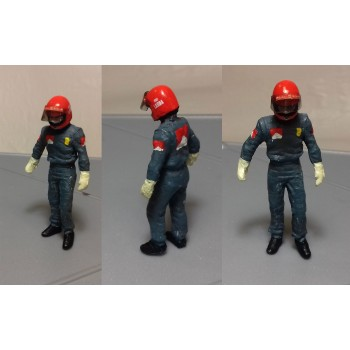 Niki resin figure 1:32 scale